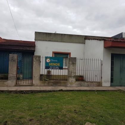 VENTA -CASA 141 E/ 46 Y 47